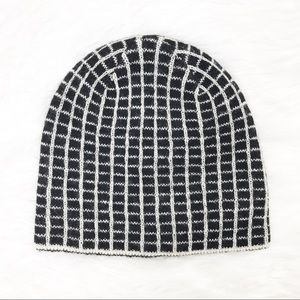 NWT Espirit Opening Ceremony Short Beanie OS Black